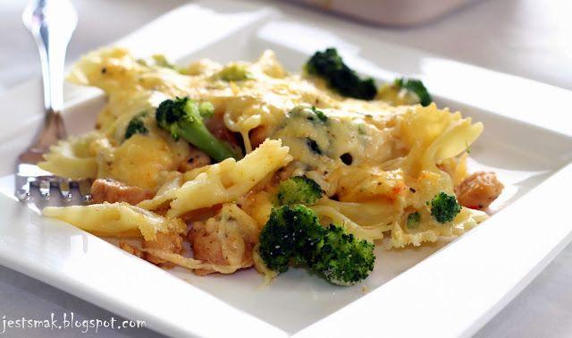 Jest Smak: Zapiekanka makaronowa z kurczakiem i brokułami*