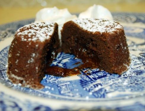 Chocolate Lava Cake Decoration : little lava cakes - great recipe Food Pinterest Lava ...