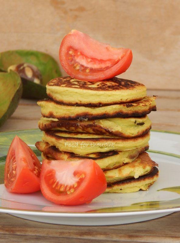 Αλμυρές τηγανίτες με αβοκάντο. http://laxtaristessyntages.blogspot.gr/2014/09/almyra-pancakes-me-avocado.html