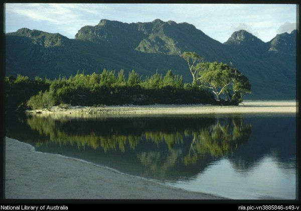 Truchanas, Olegas, Water from Maria Lake flows into Lake Pedder, with the Frankland Range in the background