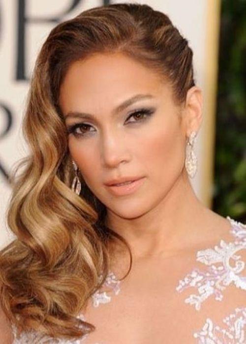 Singer And Actress Jennifer Lopez Looks Glamorous And