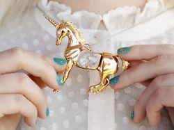 : Golden Unicorns, Except, Statement Necklaces, Jewelry Accessories, Unicorns Necklaces, Green Nails, Gold Jewelry, Gold Unicorns, Fairies Tales
