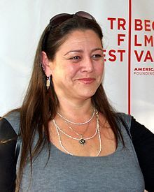 During the second season, Melinda meets Delia Banks (Camryn Manheim), a struggling real estate agent who forms a friendship with Melinda and who eventually agrees to run the antique shop with her.