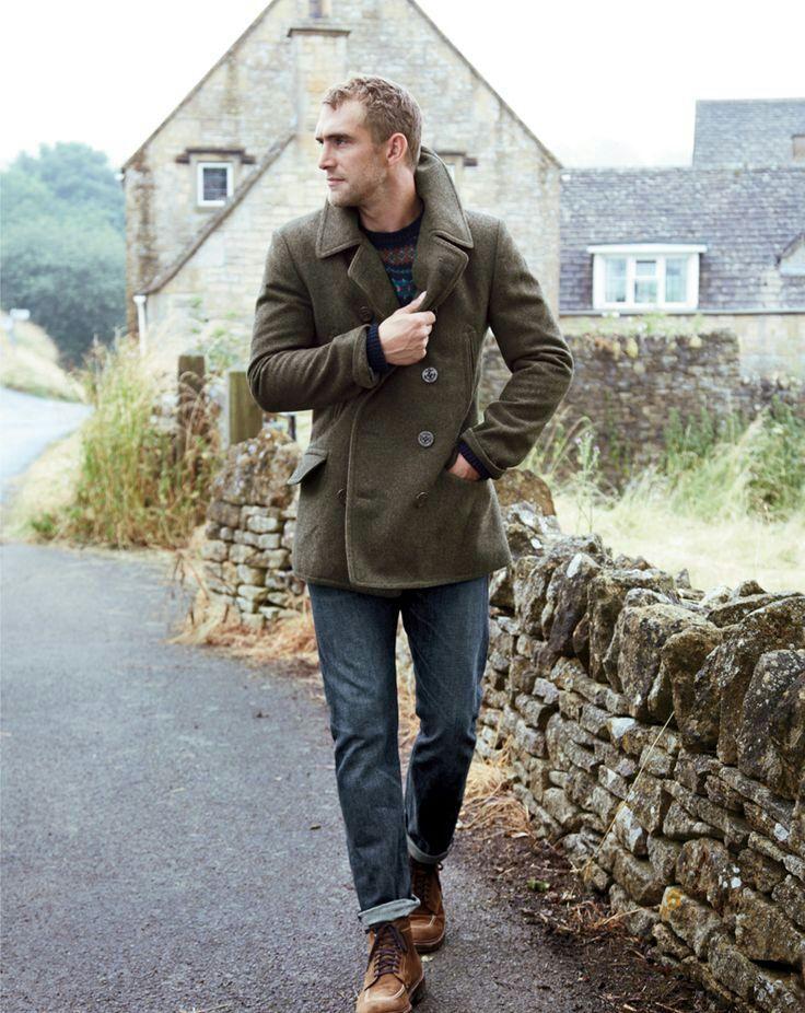 Den Look kaufen: https://lookastic.de/herrenmode/wie-kombinieren/cabanjacke-olivgruene-pullover-mit-rundhalsausschnitt-dunkelblauer-jeans-blaue-stiefel-braune/370 — Olivgrüne Cabanjacke — Blaue Jeans — Braune Wildlederstiefel — Dunkelblauer Pullover mit Rundhalsausschnitt mit Fair Isle-Muster