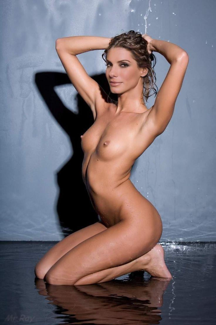 Nude Sandra Bullock Pics-7179