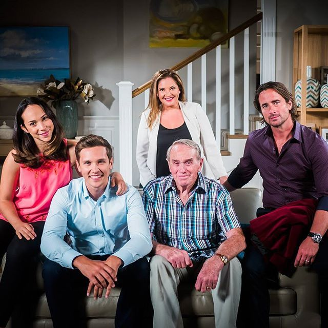 We ❤ this shot of the Willis family! Just one thing, where's Piper? #Neighbours