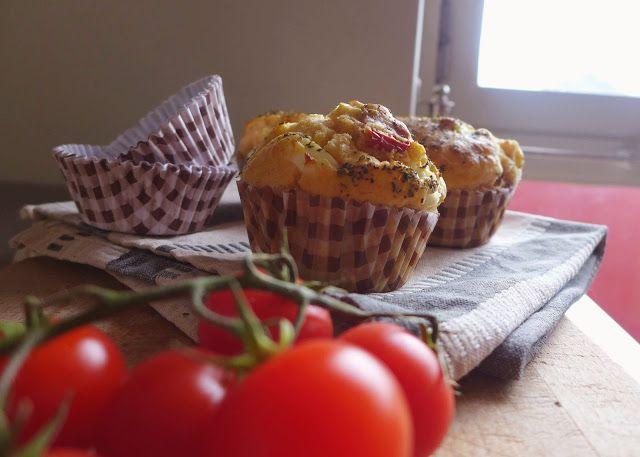 Muffins de Tomate Seco e Queijo Feta
