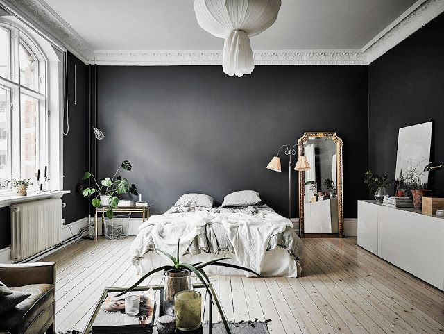 ATELIER RUE VERTE , le blog: Suède / Une chambre aux murs sombres /