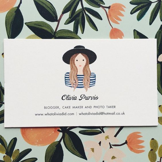 What to make your business cards truly memorable? Make them simple, eye-catching, and unique.