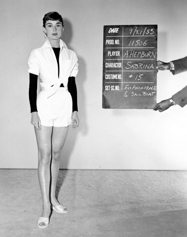 30 Amazing Behind the Scenes Photos of Audrey Hepburn from the Making Romantic Comedy Film 'Sabrina' in 1954