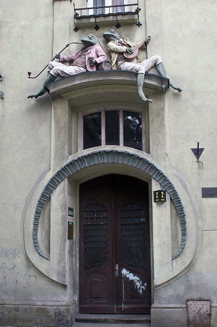 ohmondieuarchitecture:    Frog House (Polish: kamienica Pod Żabami) is an example of art nouveau architecture in the city of Bielsko-Biała.