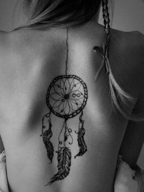 tatuagem dream catcher costas