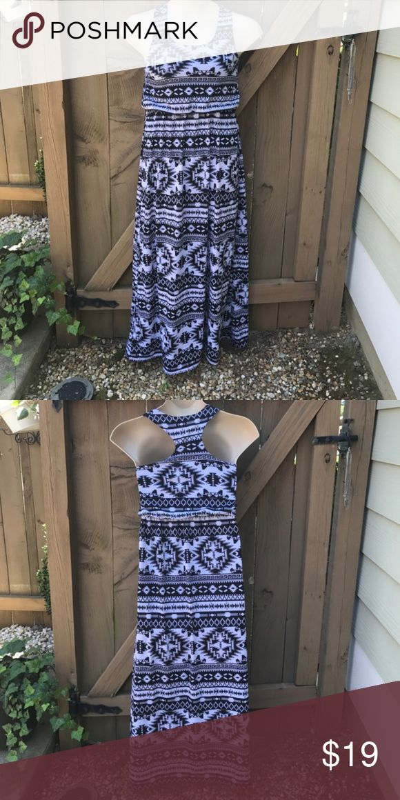NWOT Derek Heart Aztec maxi dress size S NWOT size Small Derek Heart Aztec maxi dress. Bin 15. Derek Heart Dresses Maxi