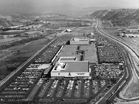 Mission Valley Shopping Center 1961.jpg (535×400)