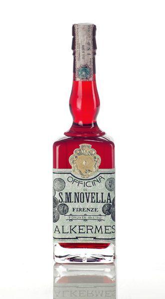 """#Alchermes è un liquore usato per dolci e preparazioni di vario genere.  A Firenze l'alchermes veniva preparato dai frati di Santa Maria Novella. Era un liquore molto amato dalla famiglia Medici e infatti in Francia era chiamato """"liquore dei Medici"""".  http://www.ciceroos.it/Alkermes_toscana"""