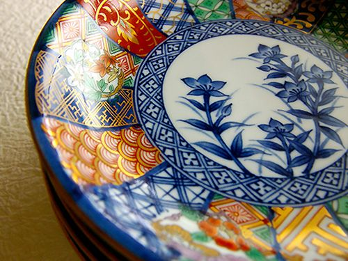 ARITA PORCELAIN    This is my favorite Japanese 'ARITA PORCELAIN'.   Every kind of dish seems delicious more!!