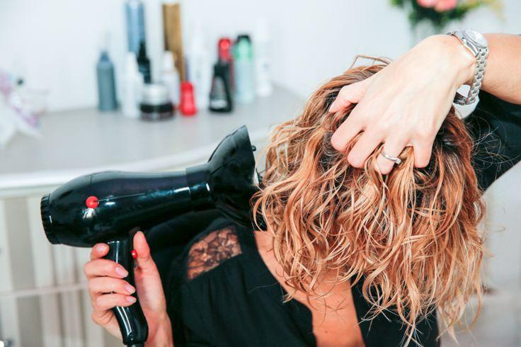 Sapevi che poi avere capelli mossi naturali senza crespo? scopri come.. www.capellifaidate.com