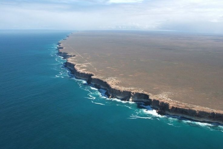 The spectacular Nullarbor Cliff coastline, or Bunda Cliffs as they are called in this region of southern Australia, offer an shockingly abrupt transition from land to sea.
