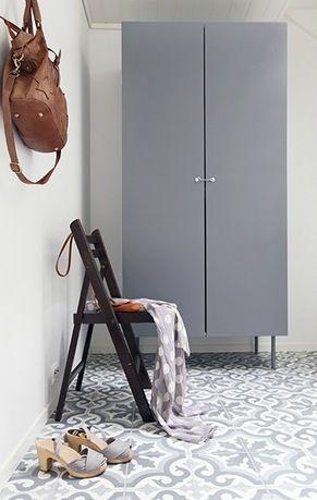 White, beige and grey - via Coco Lapine Design