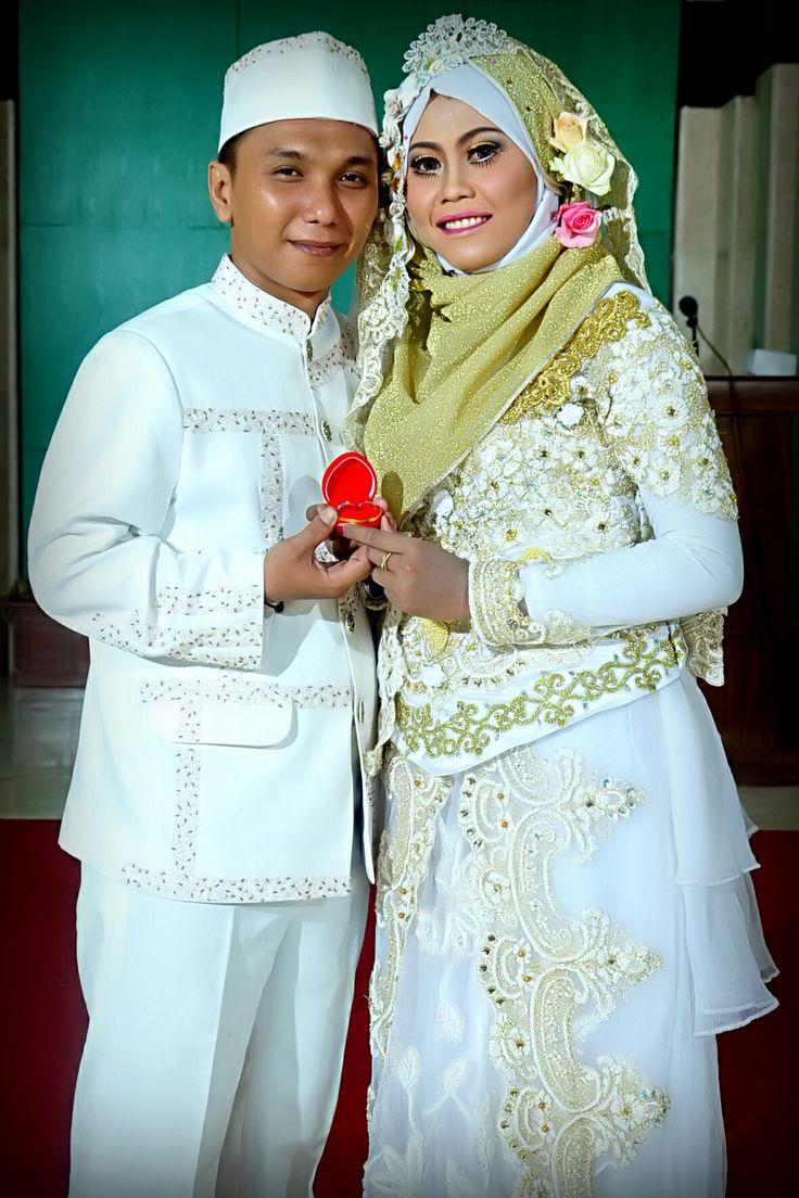 Wedding hijab ayosiapa yg mau cantik saat akad nikah.hubungi sanggar rias CITRA KERATON. Kualitas hebat harganya bersahabat. Hubungi kami di. D2854A1D Atau 085104376200