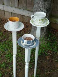 Teacup birdfeeders - clever idea!