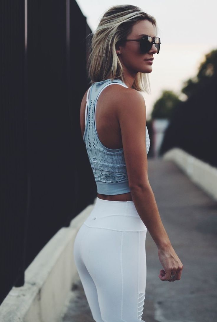 Cute workout clothes and fitness outfits