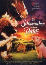 """EIN SCHWEINCHEN NAMENS BABE  --  Ein sprechendes Schwein, das ein Hirtenhund sein will? Das ist der irrwitzige Aufhänger der heiter-intelligenten Tierkomödie """"Babe"""", die auf der Vorlage von Dick King-Smiths Kinderbuch """"The Sheep-Pig"""" basiert.   --  Nicht nur ein Aufruf um """"Rassenunterschiede"""" zu überbrücken sondern irgendwie auch zum Fleischverzicht, oder?"""
