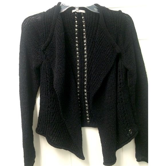 SALE GAP knit open cardigan Beautiful black knit open cardigan from GapPerfect for layering and goes with everything! The tag says extra small but it fits exactly like a medium. Only worn a few times and in perfect condition. Not a thick, fuzzy material and it still works for spring because it's airy. GAP Sweaters Cardigans