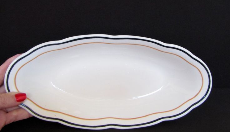 Syracuse Restaurant Ware Veggie Bowl, Serving Bowl, Contemporary, scalloped edge, Family Style Serving