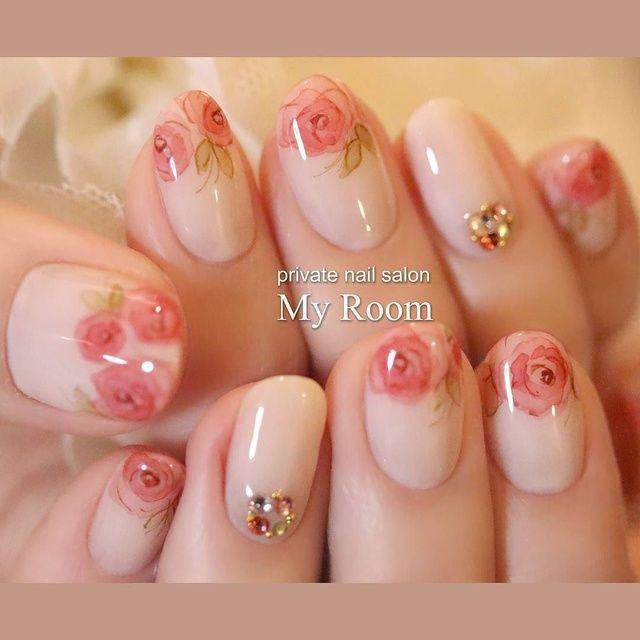 水彩ローズフレンチ♪instagram→yukachiso お客様に『かわいい』と喜んでいただけました(*^^*) #nailart #nails #ネイルアート #ジェルネイル #フラワー