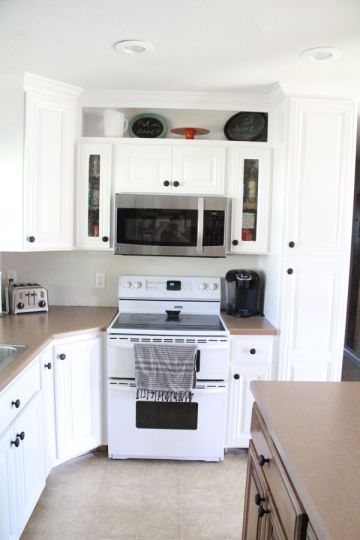 How to Spray Paint Cabinets Like the Pros - Bright Green Door