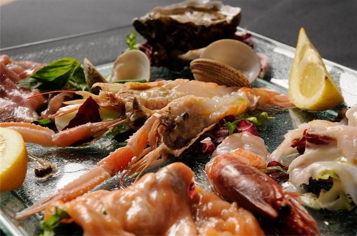 Gran crudo misto al Ristorante Peccato Originale di Fiumicino. #Roma #Ristoranti #Flashmenu #Pesce  http://www.urbis360.com/ristorante-peccato-originale