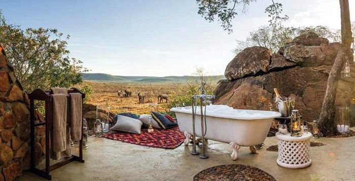 From romantic bubble baths to private infinity pools and bedrooms under the stars, these lodges are truly romantic...