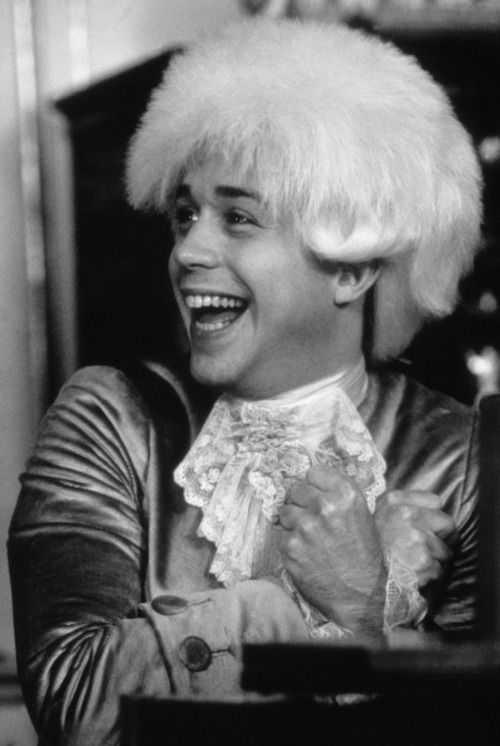 """Tom Hulce, American actor who portrayed Wolfgang Amadeus Mozart in the film """"Amadeus,"""" 1984."""