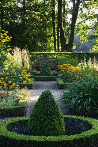Les 69 meilleures images du tableau knot garden sur pinterest for Jardins anglais celebres