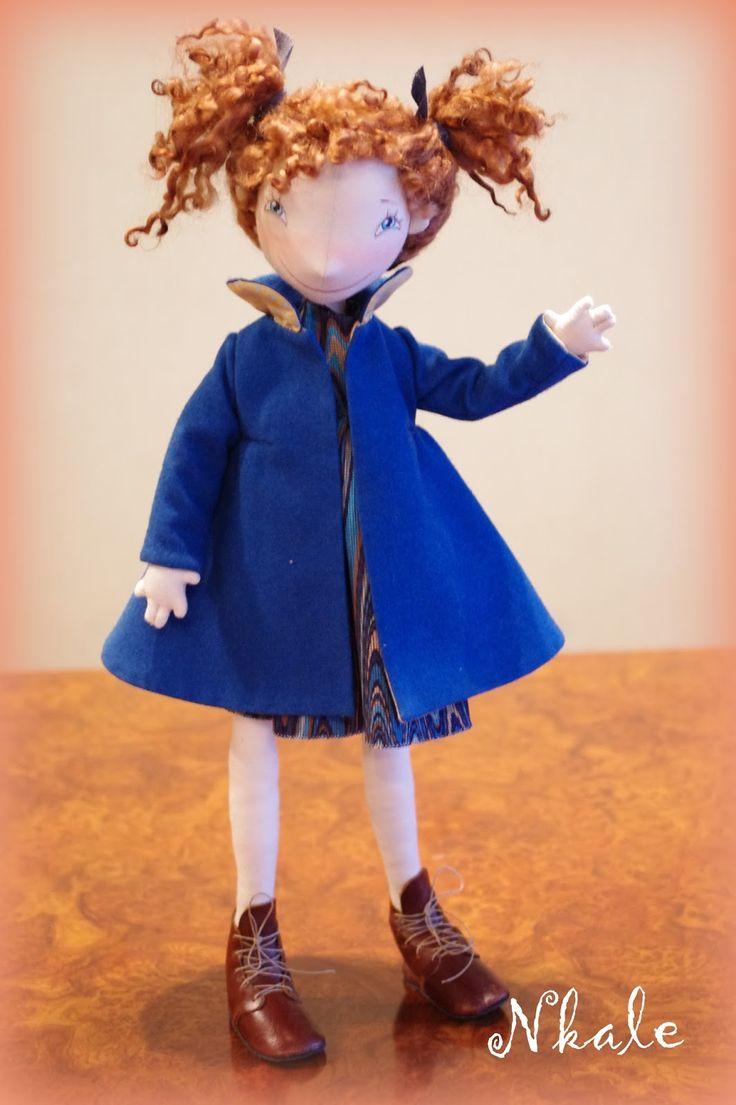 Последний, такого формата... Девочки-участницы со мной уже больше двух лет; перешили-переделали кукол и...