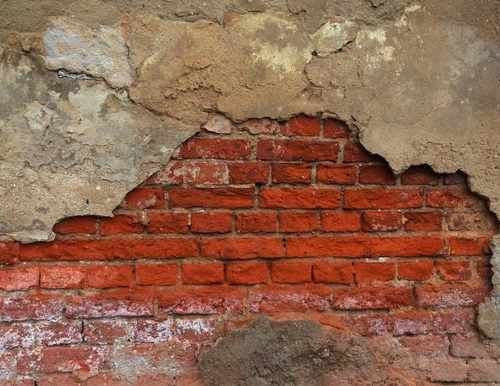 Salpeter im Mauerwerk entfernen