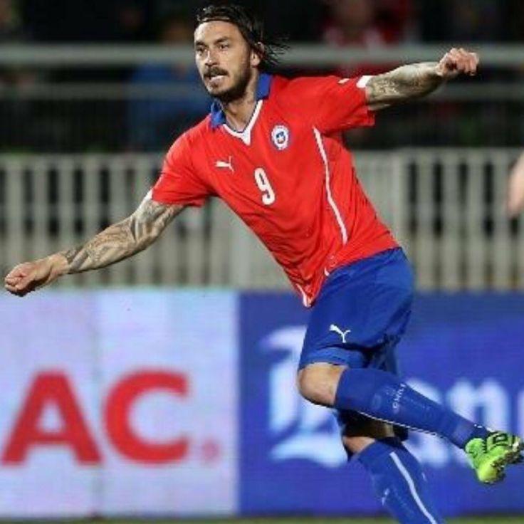 Mauricio Pinilla Chilean Soccer Player