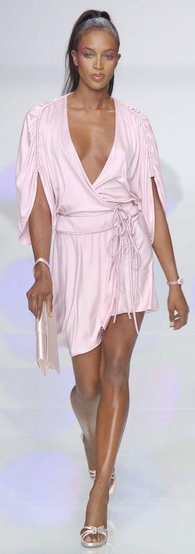 Naomi Campbell at Valentino ~ Paris \ ♡Pinterest: luxultrav | IG: @luxuriousultraviolet LUXURIOUSULTRAVIOLET.com ♛