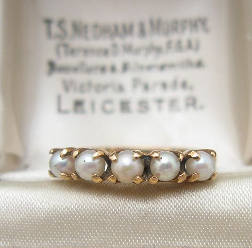 I looooove this and want it. vintage pearl ring.. why isn't there more wedding rings with pearls?!