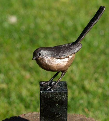 bronzen vogels, tortel, merel, koolmees, staartmees, kwikstaar, boerenzwaluw   Bronzen beelden van Coos van Eijk