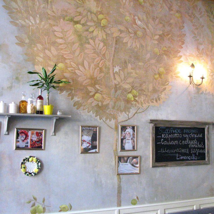 """Роспись стен в ресторане """"Лимончелло"""" в Одессе. Нежная фоновая роспись, задающая тон всему залу. Золотистые и лимонные тона, мягкие силуэты, фигурки птичек и бабочек. Легко, ненавязчиво роспись смотрится на стенах.  volgshtein.com  #volgshtein🌊 #art #artwall🎨 #interior #interiordesign #painting #walldecor #wall_painting #limassol #texture #odessa⚓️ #cyprus❤️ #picture #pic #sculpture #basrelief #drawing #artwork #drywall_sculpture #ceilingart #wall_art #murals #drywallfinisher…"""
