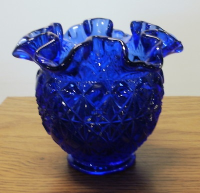VINTAGE COBALT BLUE FENTON DIAMOND CUT RUFFLED FLUTED VASE $39.99