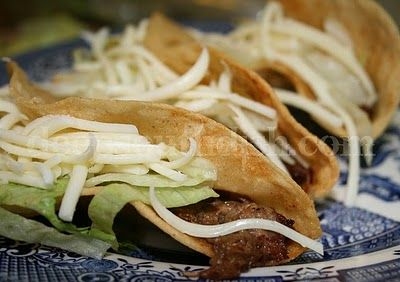 Shredded beef tacos! Great inspiration for the roast I bought this week.: Fun Recipes, Mr. Tacos, Shredded Beef Tacos, Real Mexicans Food, Mexican Shredded Beef, Roasted Beef, Mexicans Shredded Beef, Deep South Dishes, Authentic Mexicans
