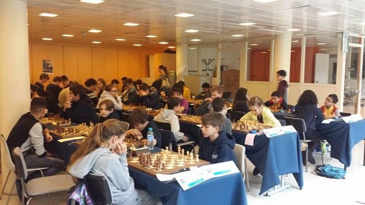 IDF Échecs @IDFechecs  4 mars  Plus   3e ronde du FTPA Youth Chess Tournament. Les équipes de Murmansk Region (RUS) et Pathena Rotterdam (NED) sont en tête de cette rencontre.