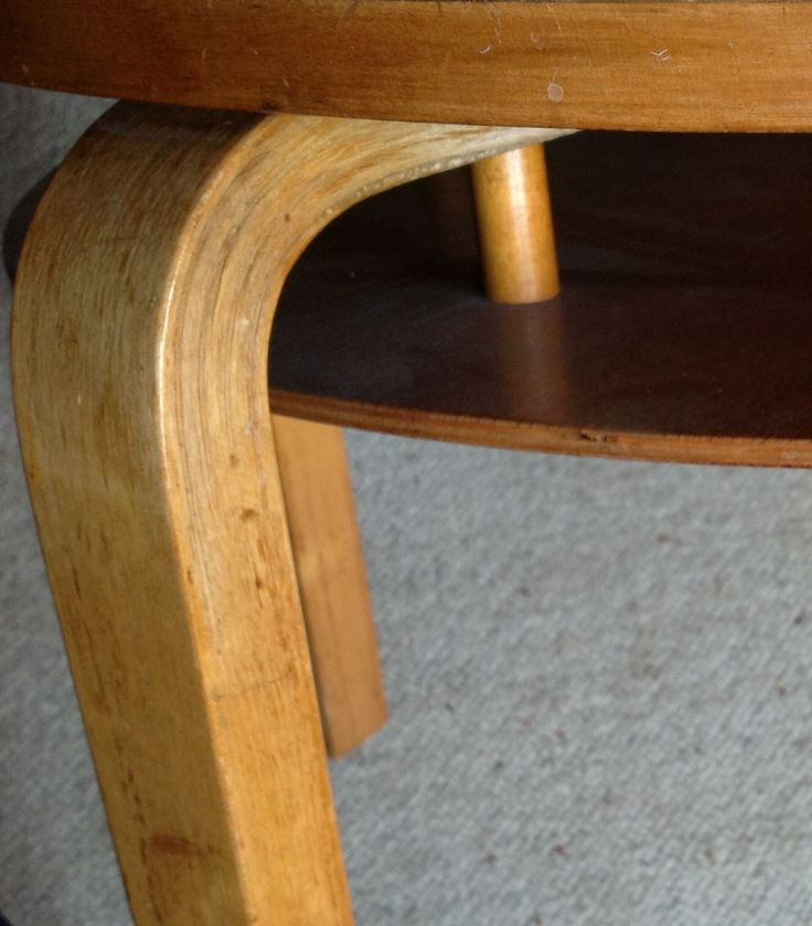 Alvar Aalto. Original 907. 1937. Birch bentwood coffee table. Finmar.