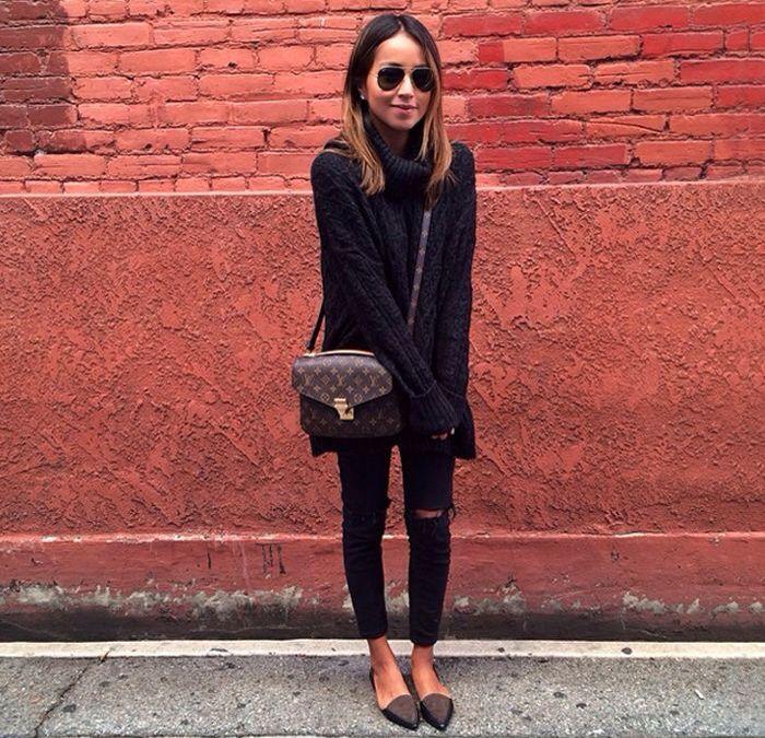 Jules - total black and Louis Vuitton bag