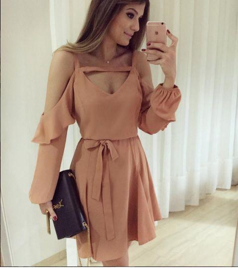 Vestido lindo!! Ariane Canovas vestindo @raizzoficial