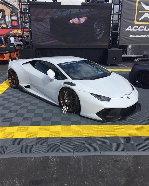 Lamborghini Huracan Sema2016 By Chariotz. Click To View More Photos And Mod  Info.