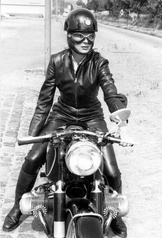Panzer Riders: Sobre mulheres, liberdade, motos e moto clubes. | About women, freedom, motorcycles and motorcycle clubs.